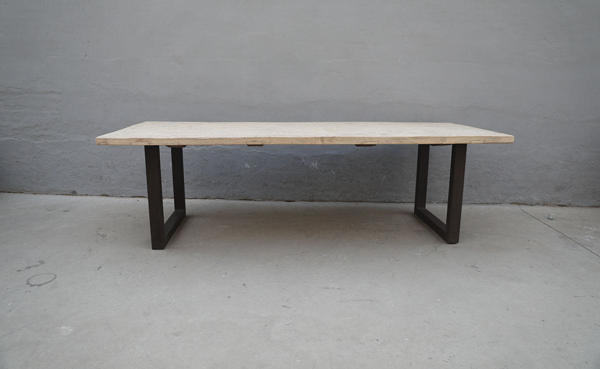 Koop Tafel met metalen onderstel